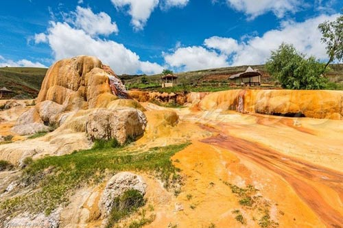 Mạch nước phun lạnh độc đáo ở Madagascar - 2