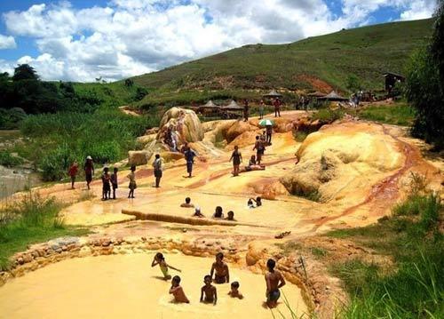 Mạch nước phun lạnh độc đáo ở Madagascar - 7