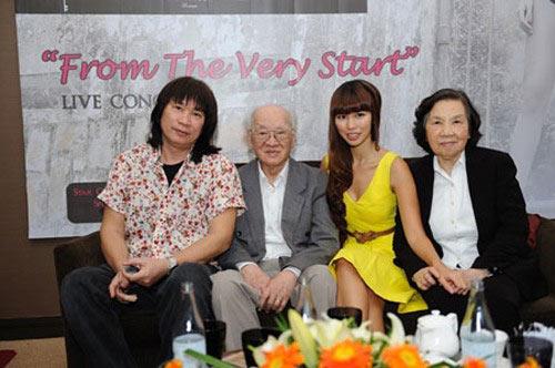 Bất ngờ với nghề nghiệp của cha mẹ sao Việt - 5