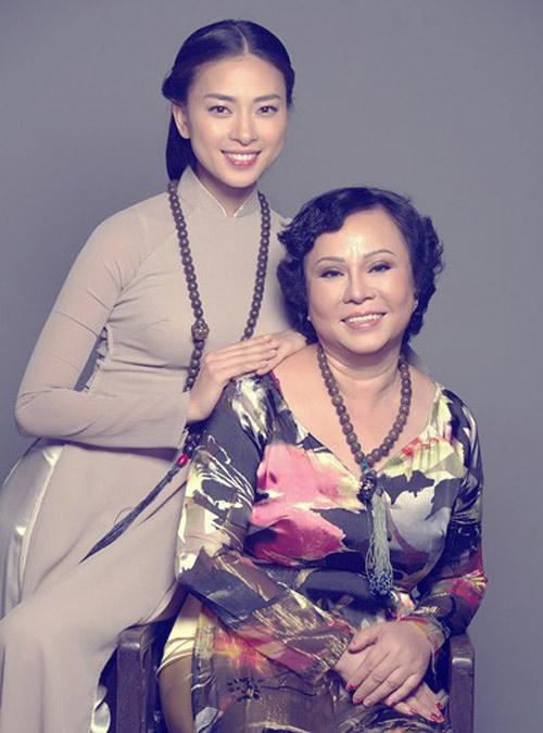 Bất ngờ với nghề nghiệp của cha mẹ sao Việt - 13