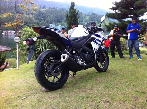 Yamaha R25 thiết kế đẹp, giá 98 triệu đồng - 7