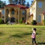 Phim - Thúy Nga khoe biệt thự có hàng trăm cửa sổ tại Mỹ
