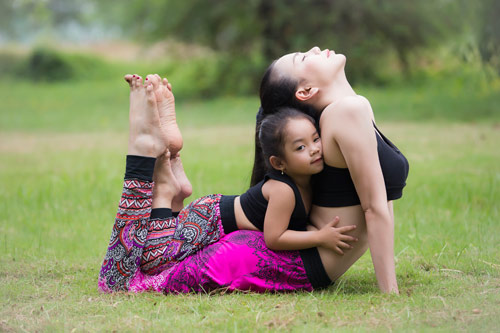 Trà Ngọc Hằng gợi cảm tập Yoga - 4