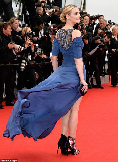 """Hoa hậu, siêu mẫu """"đánh cắp"""" thảm đỏ Cannes ngày 8 - 13"""