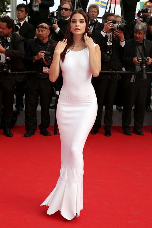 """Hoa hậu, siêu mẫu """"đánh cắp"""" thảm đỏ Cannes ngày 8 - 4"""