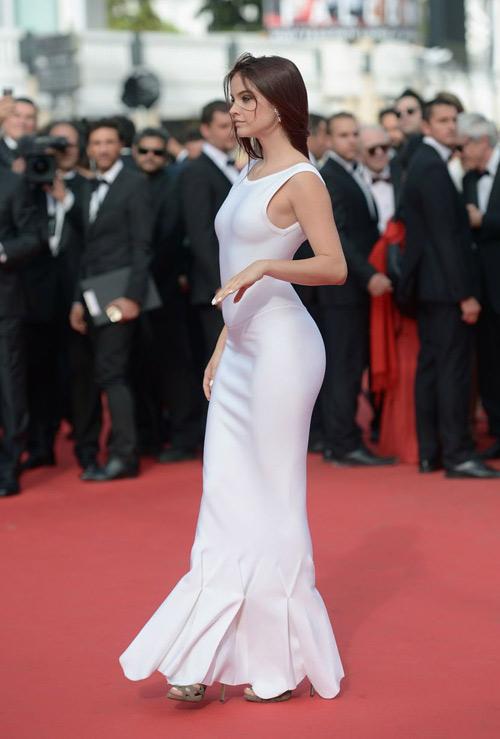 """Hoa hậu, siêu mẫu """"đánh cắp"""" thảm đỏ Cannes ngày 8 - 6"""