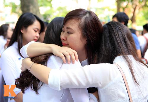 Nữ sinh lớp 12 chia tay trong nắng và nước mắt - 9