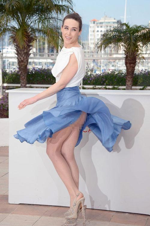 """Những pha """"lộ hàng"""" muối mặt nhất ở Cannes - 13"""