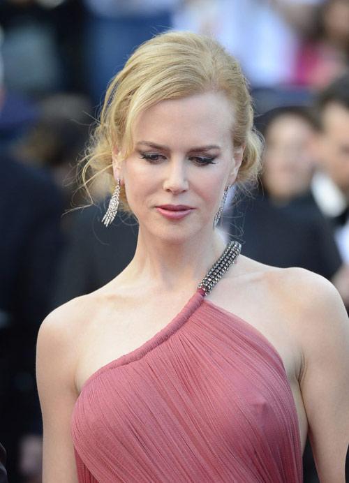 """Những pha """"lộ hàng"""" muối mặt nhất ở Cannes - 14"""