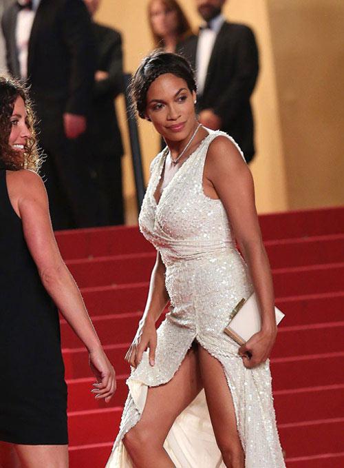 """Những pha """"lộ hàng"""" muối mặt nhất ở Cannes - 10"""