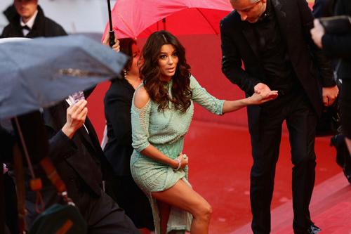 """Những pha """"lộ hàng"""" muối mặt nhất ở Cannes - 8"""