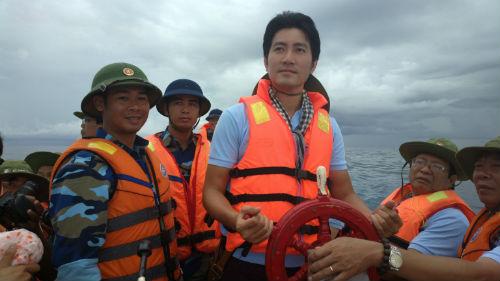 Nguyễn Phi Hùng ra album gửi lính đảo Trường Sa - 2