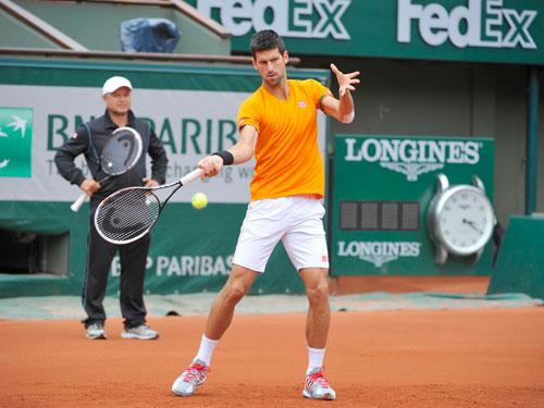 Cận cảnh Federer, Nole tập luyện trước Roland Garros - 2