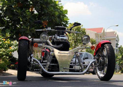 Harley-Davidson 3 bánh in hình quốc kỳ Việt Nam - 3