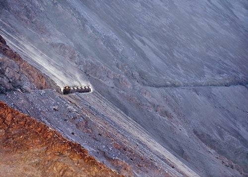 Tuyến xe lửa ngoạn mục trên dãy núi Andes - 1