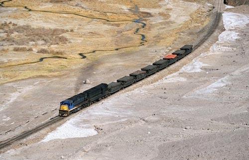 Tuyến xe lửa ngoạn mục trên dãy núi Andes - 5