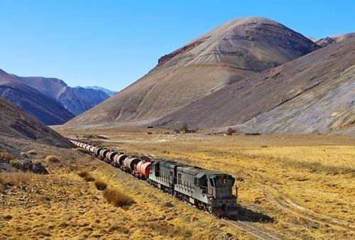 Tuyến xe lửa ngoạn mục trên dãy núi Andes - 6