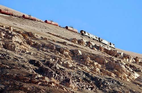 Tuyến xe lửa ngoạn mục trên dãy núi Andes - 8