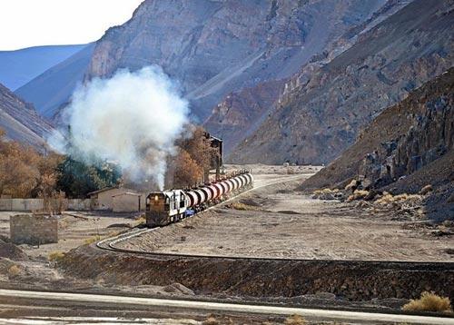 Tuyến xe lửa ngoạn mục trên dãy núi Andes - 14