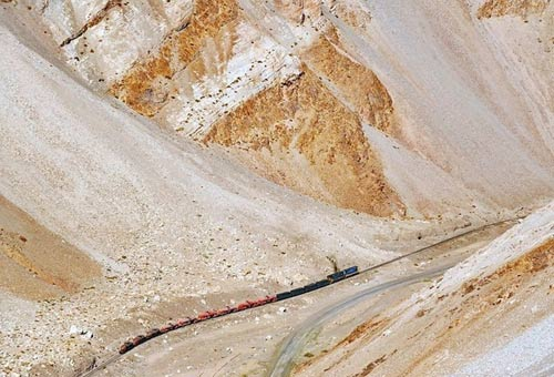 Tuyến xe lửa ngoạn mục trên dãy núi Andes - 2