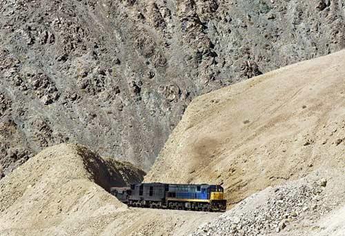Tuyến xe lửa ngoạn mục trên dãy núi Andes - 3
