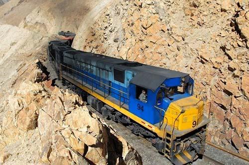 Tuyến xe lửa ngoạn mục trên dãy núi Andes - 4