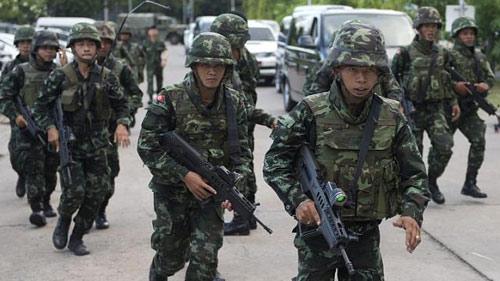 Thái Lan hậu đảo chính: Thủ tướng ra trình diện - 2