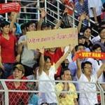 Bóng đá - Hình ảnh không đẹp của CĐV Việt Nam