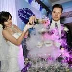 Bạn trẻ - Cuộc sống - Hot girl Mai Thỏ rạng rỡ trong lễ cưới