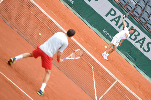 "Federer làm ""tiểu Federer"" bở hơi tai ở Roland Garros - 1"