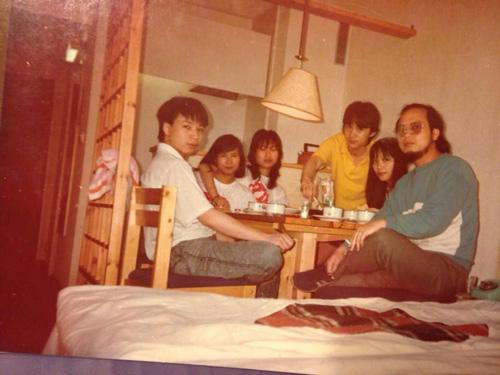 Nhạc sỹ Quốc Trung khoe ảnh thời trai trẻ - 3