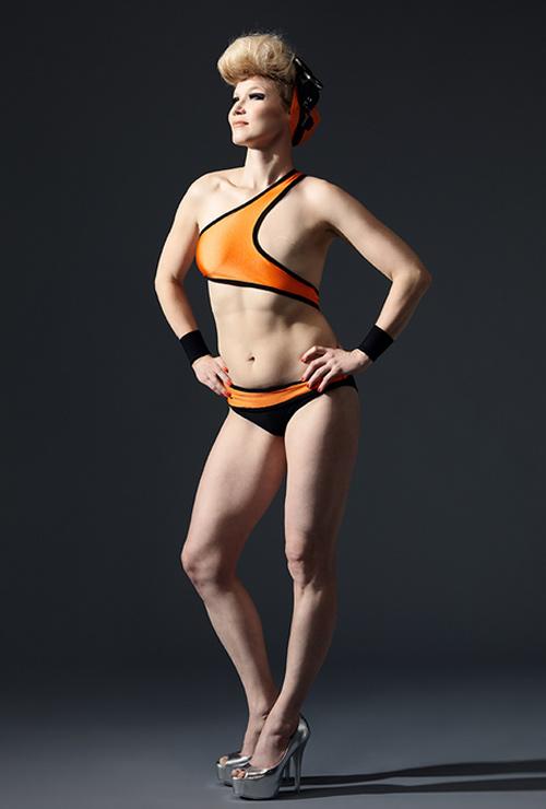 Ngỡ ngàng trước ảnh bikini của phụ nữ bị ung thư vú - 2