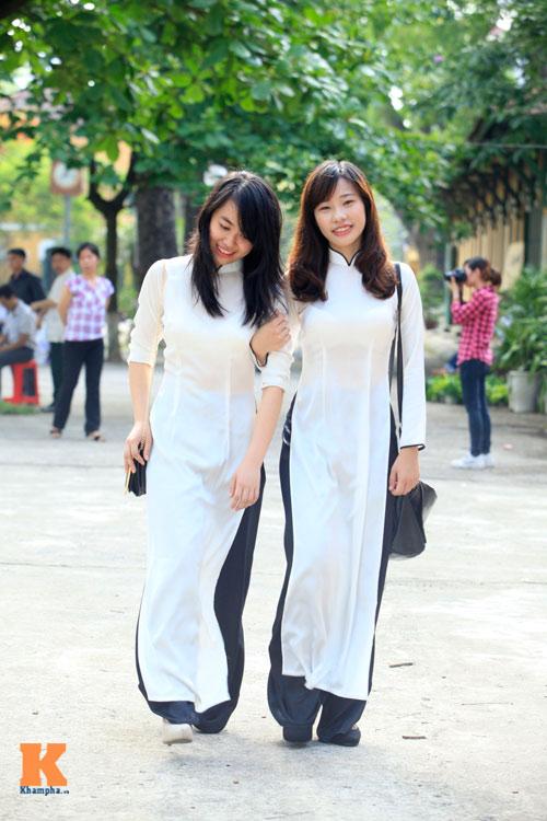 Nữ sinh Trường Bưởi rưng rưng ngày chia tay - 3