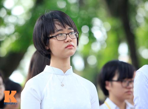 Nữ sinh Trường Bưởi rưng rưng ngày chia tay - 6