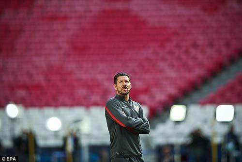 Simeone, bản sao đặc biệt của Mourinho - 2