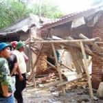 Tin tức trong ngày - Sập giàn giáo, một thợ xây bị bê tông đè chết
