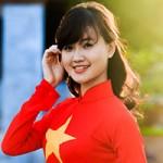 Bạn trẻ - Cuộc sống - Hoa khôi Cảnh sát rạng rỡ dưới nắng hạ
