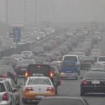 """Tin tức trong ngày - """"Ngạt thở"""" vì ô nhiễm, TQ loại bỏ 5 triệu ô tô"""