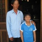 Sức khỏe đời sống - Xót lòng bé 11 tuổi có 2 bộ phận sinh dục