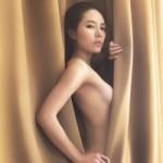 Ngôi sao điện ảnh - Phương Linh lần đầu khoe ảnh nude táo bạo