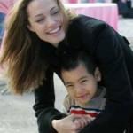 Phim - Angelina Jolie tiết lộ cô thân với Maddox hơn con ruột