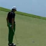 """Thể thao - Golf: """"Toát mồ hôi"""" chờ bóng rơi xuống lỗ"""