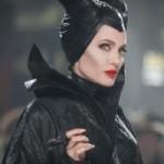 """Phim - """"Tiên hắc ám"""" của Angelina Jolie: Hốt bạc vẫn bị chê"""