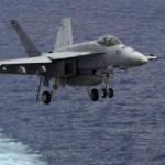 Tin tức trong ngày - Hạ cánh trượt, chiến đấu cơ Mỹ lao xuống biển