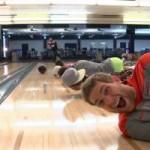 Thể thao - Video: Màn trình diễn bowling siêu hạng
