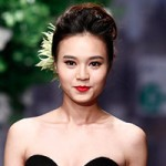 Thời trang - Lan Ngọc rụt rè trong vai trò người mẫu