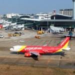 Tin tức trong ngày - Khách dọa có bom khi đang lên máy bay ở Nội Bài