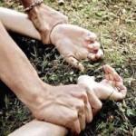 Tin tức trong ngày - Ấn Độ: Thiếu nữ nghi bị hiếp dâm, treo cổ trên cây