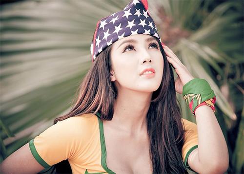 Linh Napie gợi cảm trong màu áo Brazil - 9