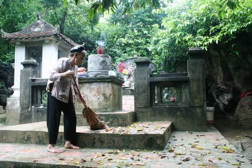 Cụ bà hơn 30 năm trông mộ Vua trên đỉnh Mã Yên Sơn - 2